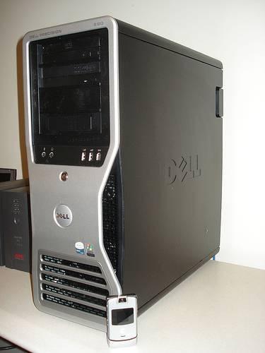 Come ripristinare le impostazioni di fabbrica su un Dell Precision 690