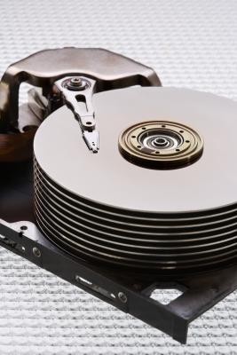 Come copiare un disco rigido non formattato su un Mac
