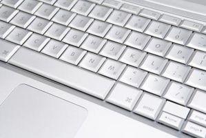 Come rimuovere la tastiera su un Lenovo T61