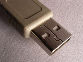 Come inserire il cavo USB al computer per Pics