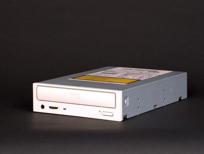 Come ripristinare una lettera di unità per il CD-DVD Drive in Windows XP Home Edition